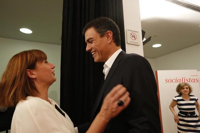 Armengol y Sánchez, en un de las reuniones mantenidas en 2018 (Foto: Mocloa)