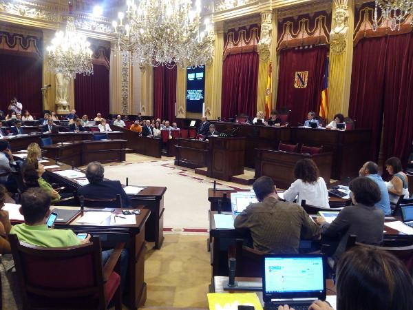 280217 parlament ib