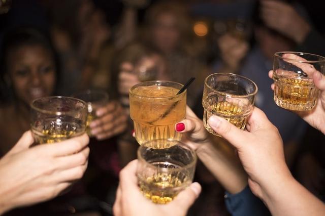 El consumo de alcohol una problemática creciente (Foto: Archivo)