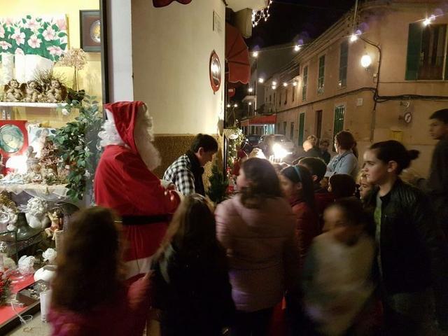 Papa Noel atiende a los 'peques'