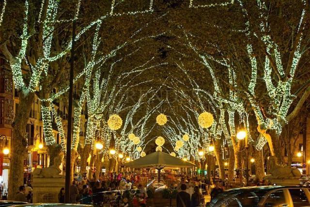 Iluminación Navidad Paseo Borne