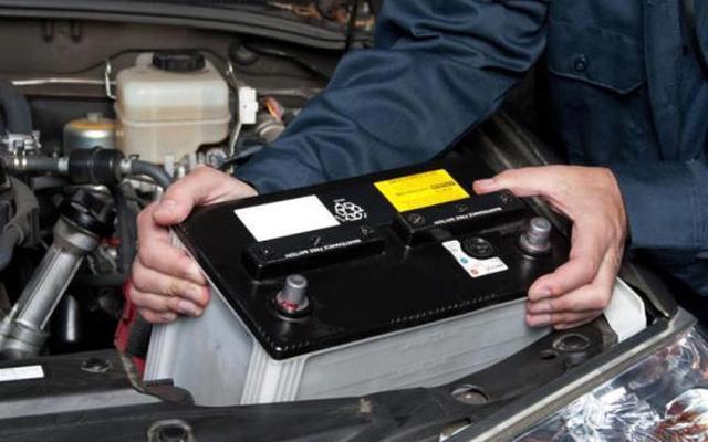 Las baterías de coche son fáciles de extraer