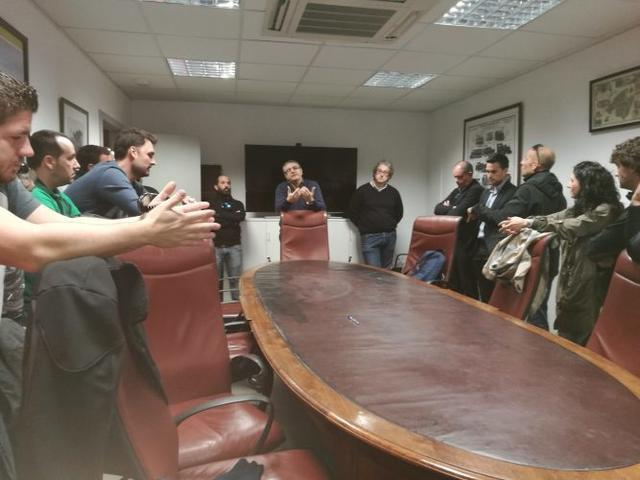 Los trabajadores de SFM, reunidos con la gerencia de la empresa