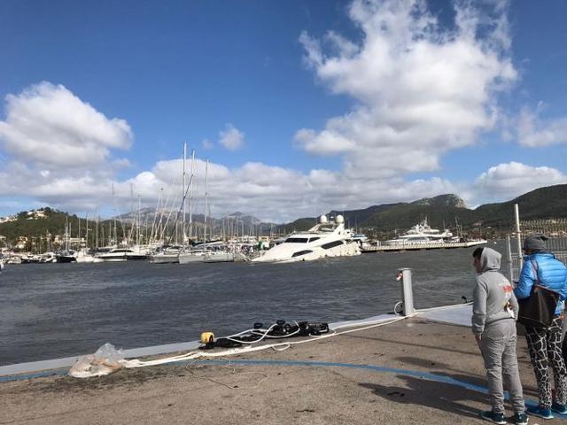 yate puerto andratx