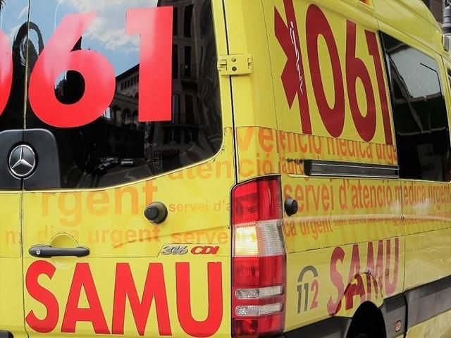 Una ambulancia del 061 preparada para atender a los turistas (Archivo)