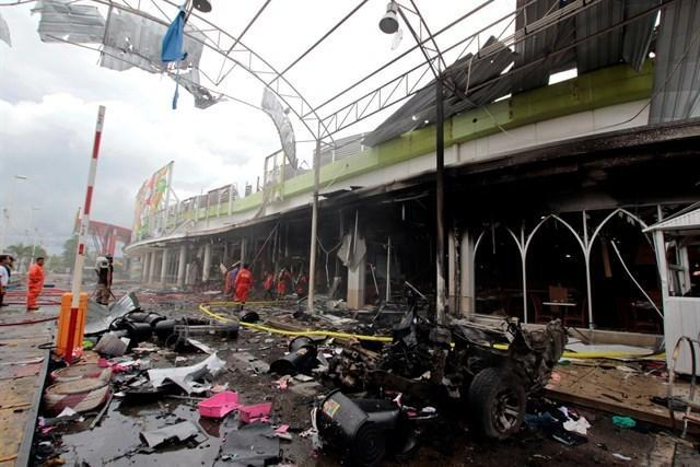090517 atendado bomba supermercado tailandia 5
