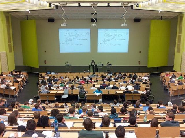 Cada año realizan las pruebas de acceso a la universidad más de 200.000 estudiantes en toda España