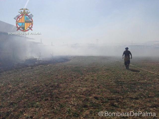 260617 bombers incendio son banya