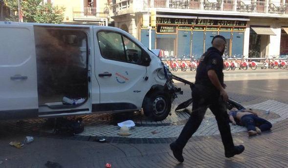 170817 atropello masivo ramblas barcelona furgoneta