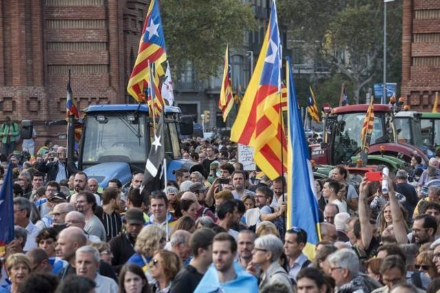 011017 unio de pagesos manifestacio barcelona 1-O
