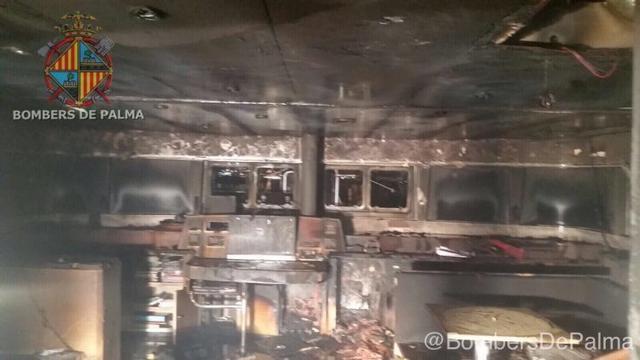 171017 incendio en catamaran Bombers 2