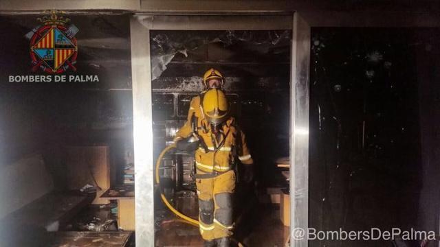 171017 incendio en catamaran Bombers 3