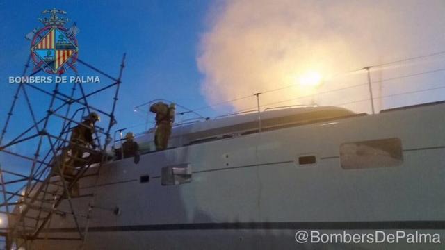 171017 incendio en catamaran Bombers