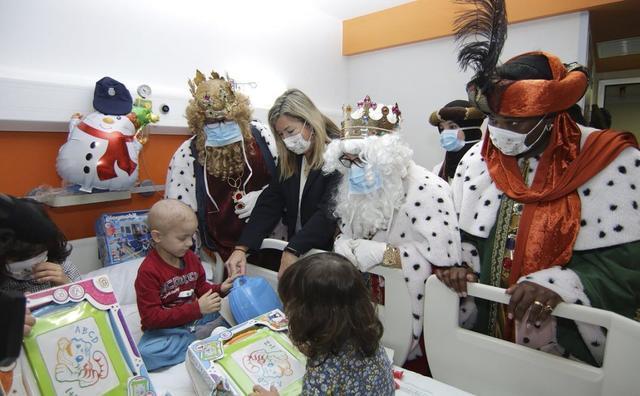 reyes magos en los hospitales de baleares 2