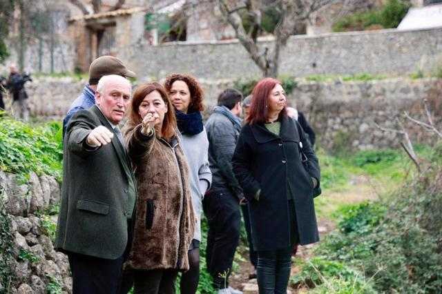 francina y el alcalde Nadal Torres en Valldemossa firmando un convenio del Hor