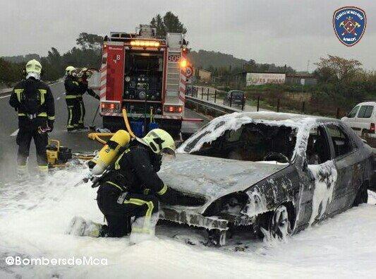 coche incendiado en carreteras de mallorca