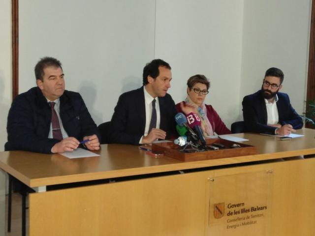 El conseller de Territori, Energia i Mobilitat, Marc Pons, este sábado en Menorca (Foto: Twitter)