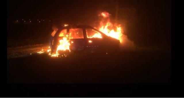 coche ardiendo-iloveimg-cropped