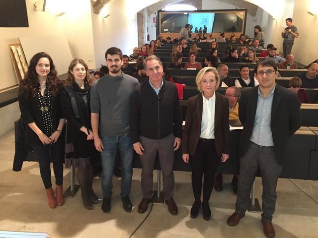 Tomeu Antich (el 3º por la derecha) con el conseller de Treball lIago Negueruela, la