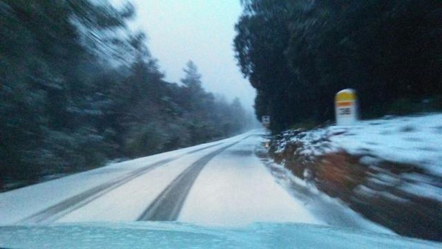 carretera de la tramuntana con nieve
