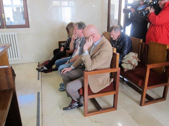 Eugenia Canyellas y Antonio Salom juicio caso Misner banquillo acusados juzgados
