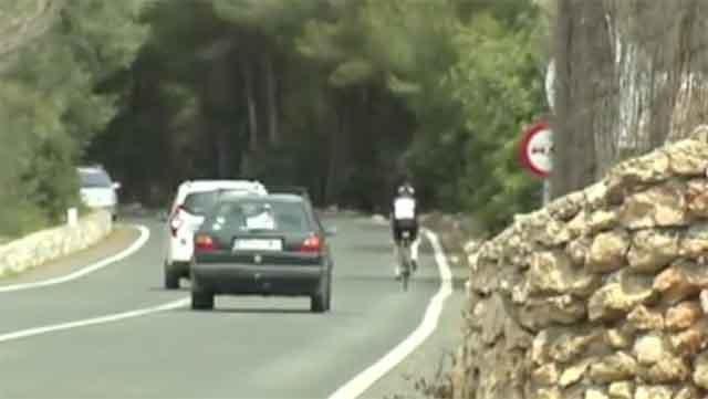 ciclistas en carreteras de Mallorca