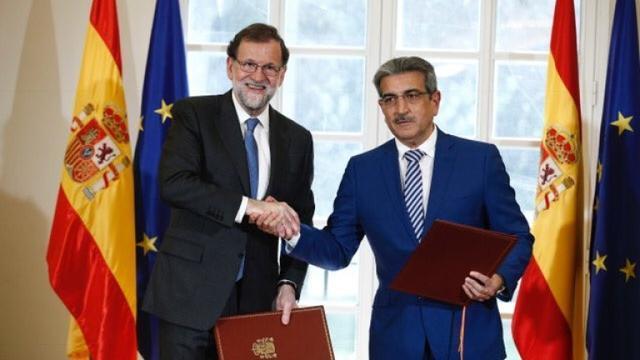 Rajoy y el presidente de Nueva Canarias