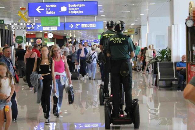 Guardia Civil segway aeropuerto (2) copia