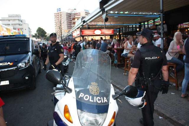 Policia redada inmigrantes 5