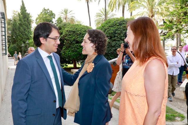Armengol con la ministra de Trabajo y Iago Neguerula