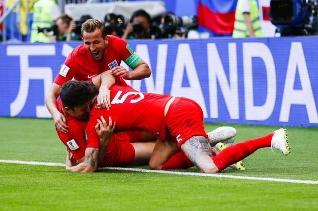 Inglaterra contra Suecia 5