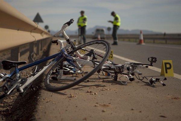 Archivo. Imagen de cómo queda una bicicleta tras un fuerte impacto