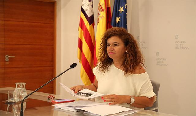 La portavoz del Govern Pilar Costa en el Consolat de la Mar
