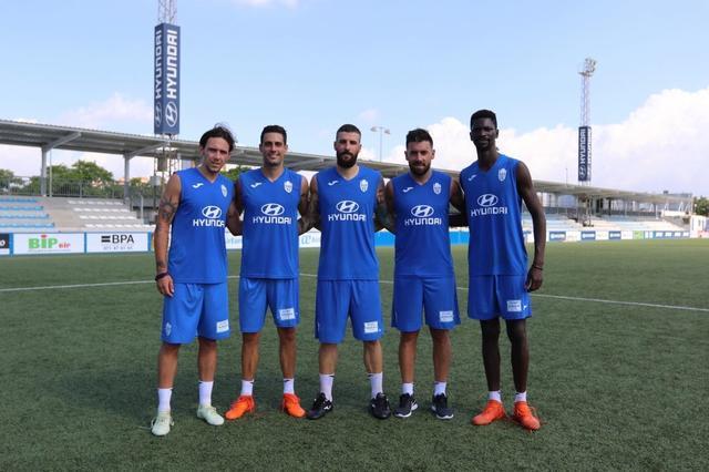 Cinco de los seis fichajes que ha hecho el club para la próxima campaña