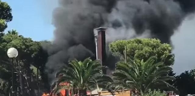 El humo que ha provocado el incendio se veía desde distintos puntos de Capdepera