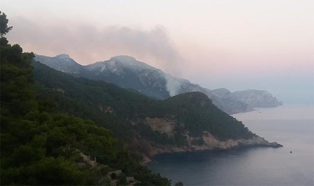 Incendio en Cala Estellencs 2