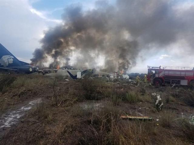 Avión accidentado anoche en Durango (México) con 103 personas a bordo (Foto: Europa Press)