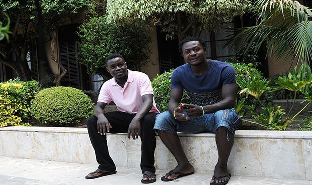 Los dos migrantes africanos que llegaron a Palma el pasado 25 de julio, tras ser rescatados de sendas pateras por el Aquarius (Foto: Lluis FGM)