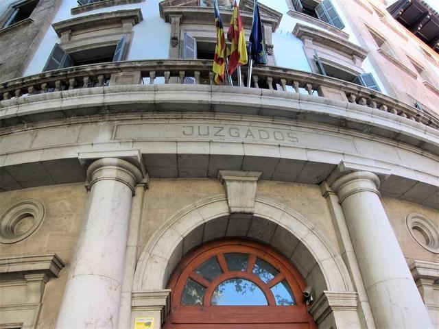 Entrada a los Juzgados de Vía Alemania en Palma (Foto: Europa Press)