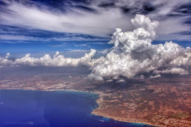 Imagen de Mallorca tomada esta tarde desde el cielo (Foto: Twitter Jordi Martín García)