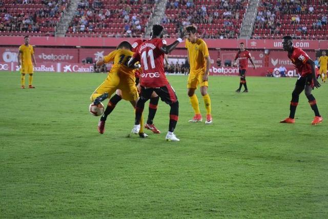 Los barralets se enfrentaran el domingo a Osasuna en el debut liguero (Twitter: AD Alcorcón)