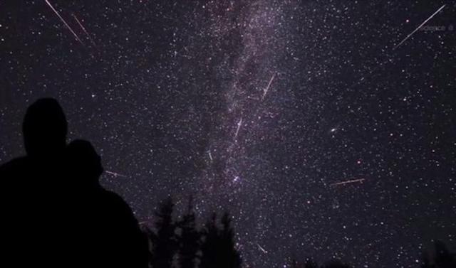 Los modelos estándares recogen que la actividad de las perseidas en condiciones perfectas se sitúa sobre los 100/150 estrellas cada hora