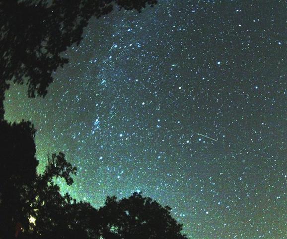 Como en veranos anteriores, el canal sky-live.tv retransmitirá en directo la lluvia de estrellas con dos cámaras (Foto: Europa Press)