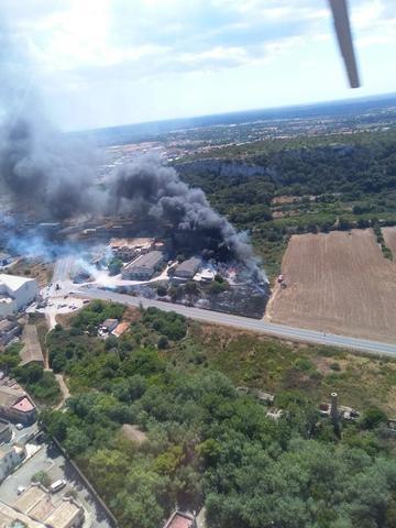 El incendio, declarado en la zona de Es Sindicat, ha sido controlado poco antes de las cinco de la tarde (Foto: Ibanat)