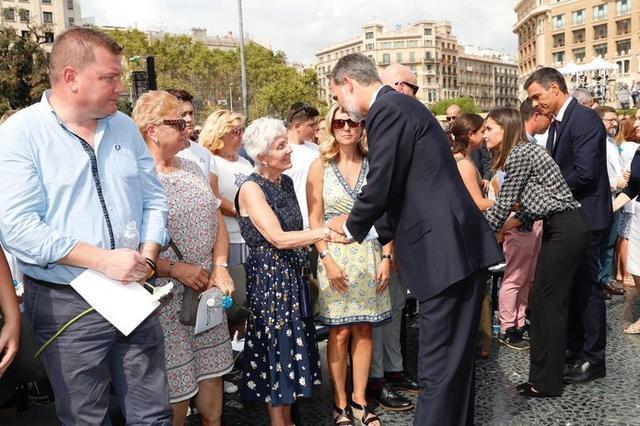 Los monarcas y el presidente del Gobierno han consolado a los familiares de las víctimas (Foto: Twitter Casa Real)