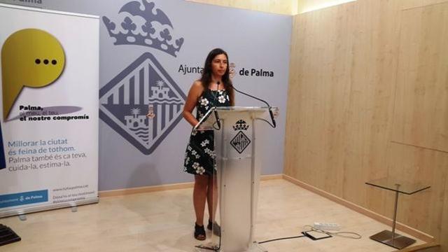 La presidenta de Emaya, Neus Truyol, en su comparecencia ante los medios de comunicación para dar explicaciones sobre los vertidos