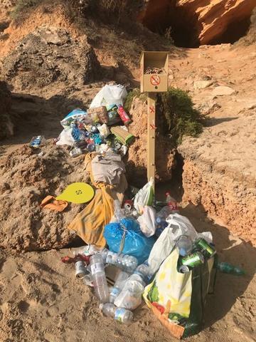 Otra imagen de los residuos acumulados (Foto: Twitter @AliceOehm)