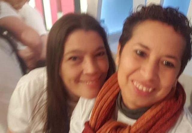 Antonina Ricaurte (izqda.) junto a Sara del mar, presidenta de la asociación Kellys unión baleares