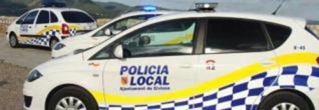 Tras el múltiple accidente la Policía Local ha tenido que cortar el tráfico durante una hora