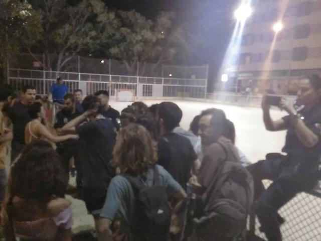 Los hechos tuvieron lugar el pasado jueves en la Plaça dels Patins (Foto: Arran Palma)